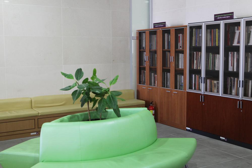 휴게 및 독서공간